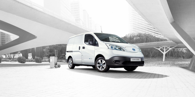 Nissan,fehér,vállalkozás, furgon