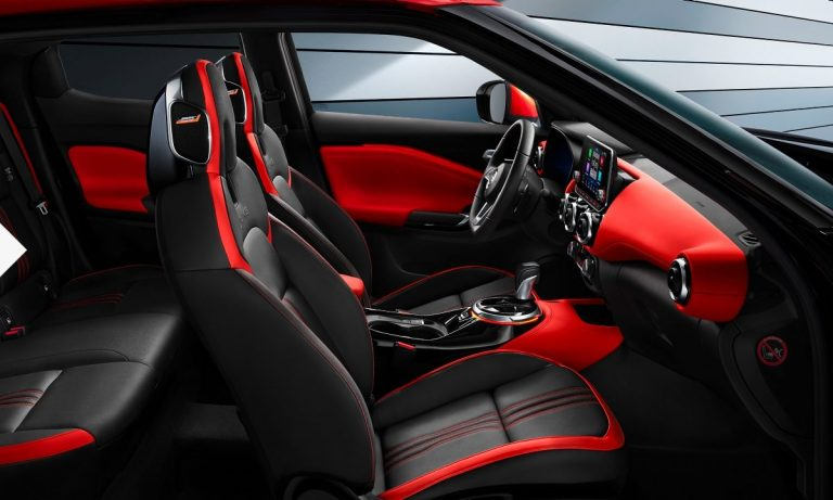 Nissan juke belső tér fiatalos automata