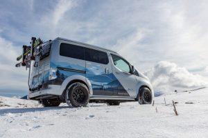 Tél, e-NV200, kisbusz, hegyek