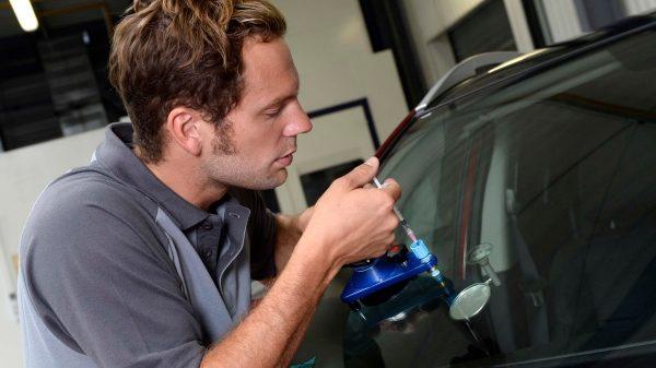 Nissan szélvédő behelyezés új javítás