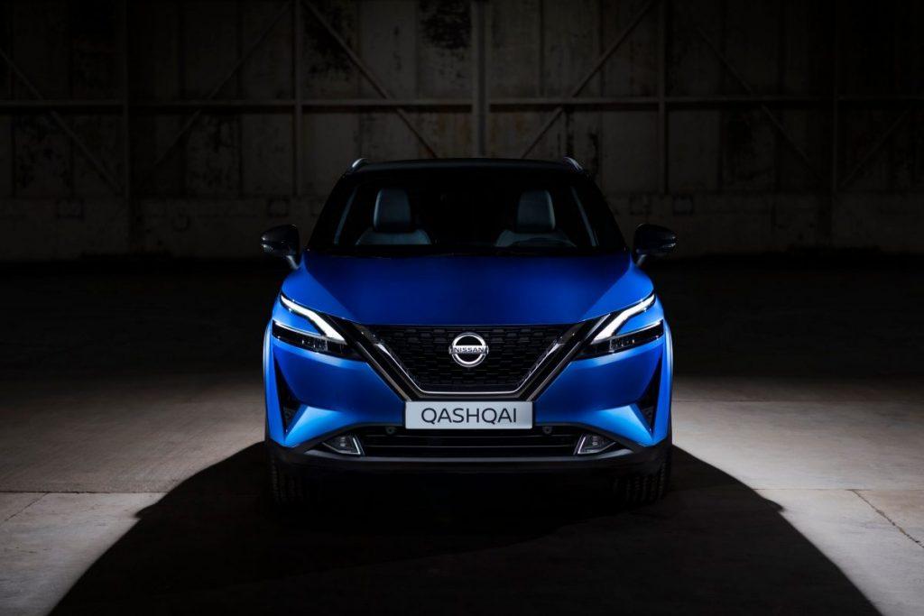 Nissan, új, qashqai,kék,épület
