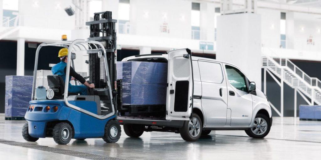 Nissan, e-Nv200, rakodás, vállalkozó, furgon, raktár