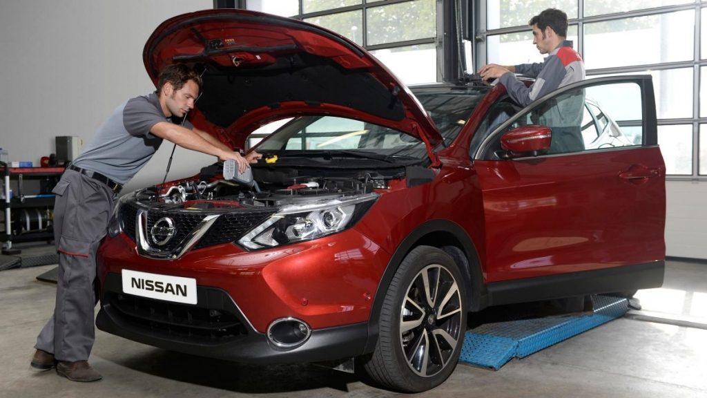Nissan, szerviz, szerelő, karbantartás, olajcsere